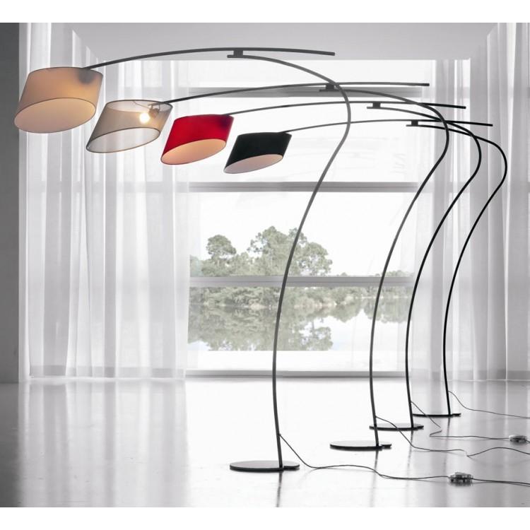 Lampade da terra per salotto mobili soggiorno sollevati for Lampada salotto